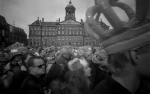 schlomoff, beatrix willem alexander & maxima 30/04/2014, pinhole movie